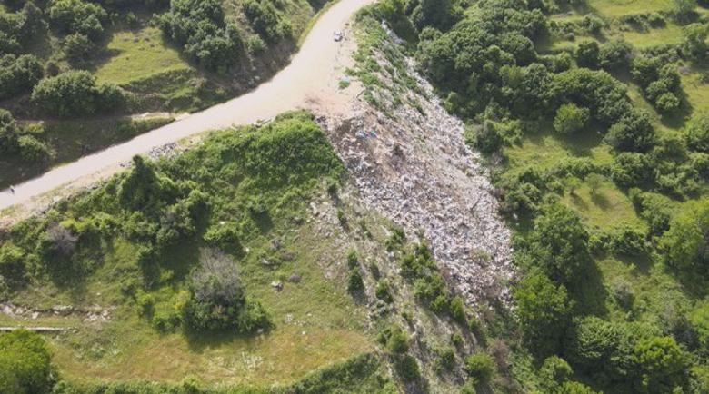 Кмет дава 100 лв. за информация кой хвърля боклуци край Ковачевица