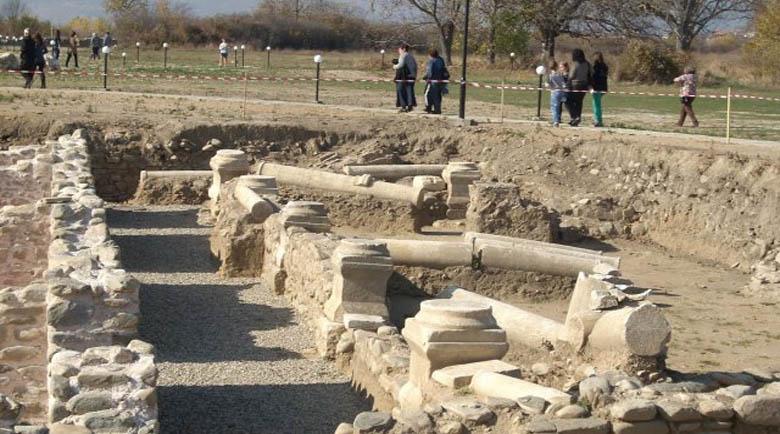 Туристите стават римляни в Никополис ад Нестум