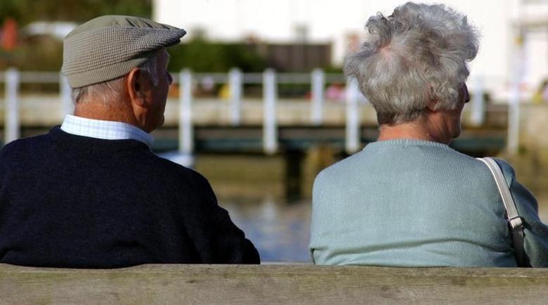 Все повече българи плащат, за да се пенсионират