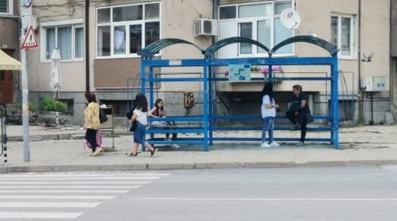 Ремонтират 50 автобусни спирки в Благоевград и селата