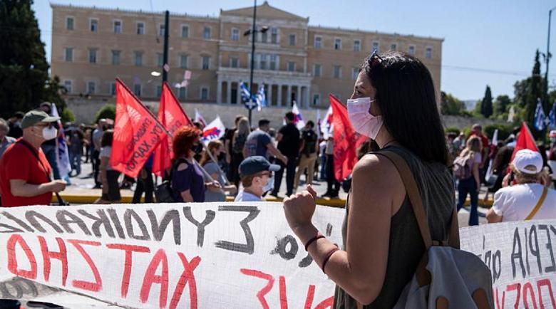 Гръцките депутати приеха трудовата реформа, въпреки стачката