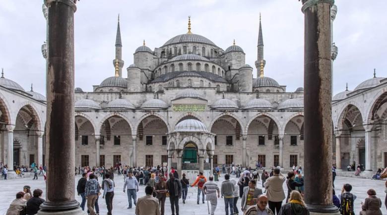 Турция ваксинира напълно близо 14 милиона души