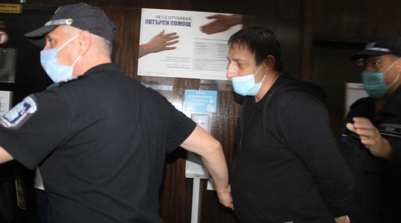 Оставиха в ареста обвинения за палежа на Купола в Благоевград, има опасност да се укрие